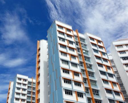 Stavební spořitelny dohánějí březnový propad