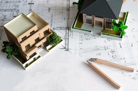 Vláda chce dát ČNB větší pravomoc pro řízení hypotečního trhu. Jak moc to ovlivní trh s realitami?