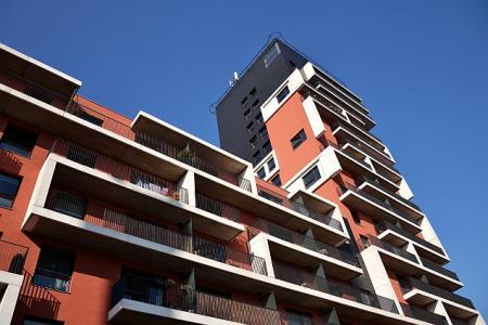 Růst cen bytů se po 9 měsících zastavil