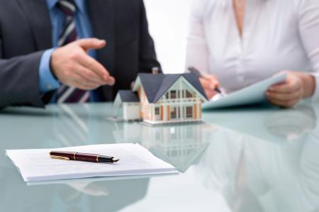 Koupě nemovitosti v exekuci. Jak si ověřit, zdali je nemovitost ohrožena exekucí?