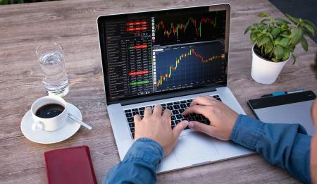 Hypoteční sazby nezadržitelně padají
