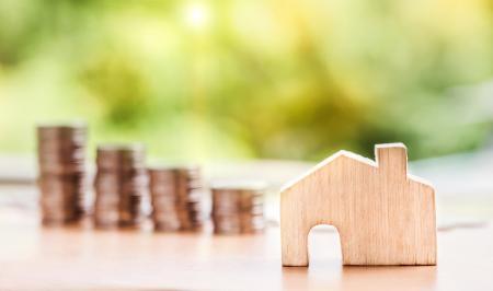 V září hypotéky výrazně zlevnily. Co bude dál?