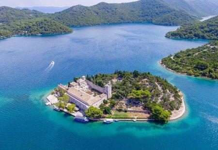 Nákup nemovitosti v Chorvatsku. Jak vysoká je provize realitní kanceláře a jakým chybám je dobré se vyhnout?