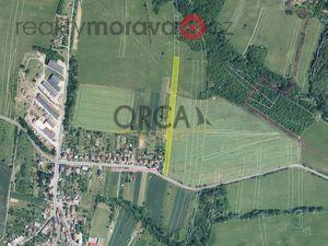 foto 0,7 ha orné půdy v k.ú. Medlovice u Uherského Hradiště