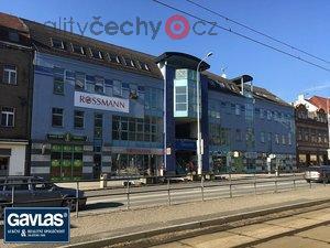 foto Obchodní dům v centru Litvínova