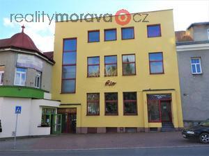 foto Prodej komerční budovy, provozní suterén, 2 provozní patra, byt 2+1, Vsetín