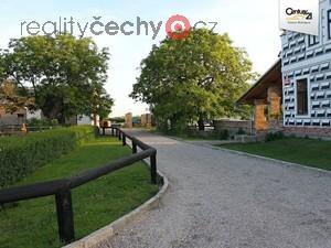 foto Zemědělská usedlost, 8,5ha, Křinec