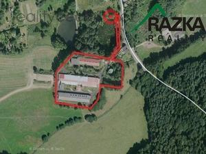 foto Zemědělský areál v obci Velké Dvorce, okr. Tachov